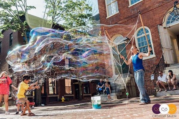bubble-man-at-fm